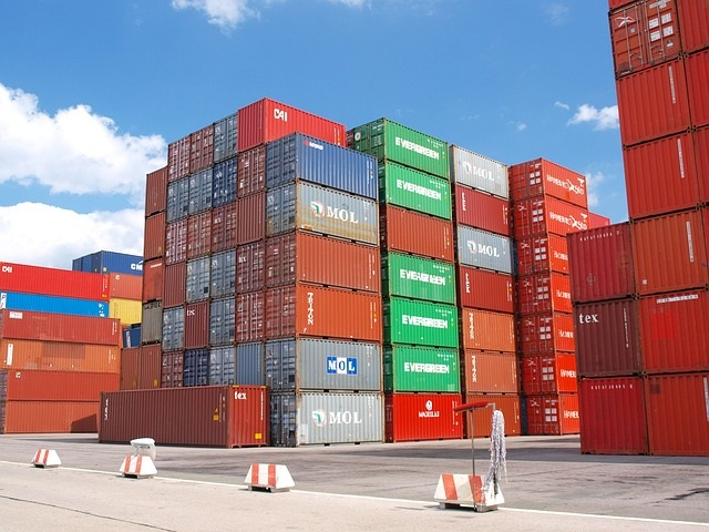container-489933_640